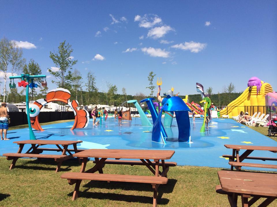 http://www.parc-aquatique.com/wp-content/uploads/2016/12/jeux-deau-parc-aquatique-atlantide.jpeg
